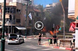 Un muerto en medio de fuertes bombardeos en el centro de Israel