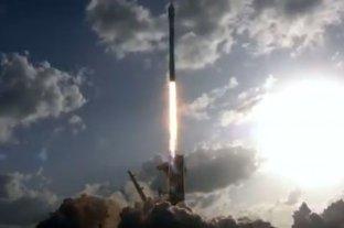 Video: SpaceX lanzó este sábado 52 satélites y dos pequeñas cargas útiles