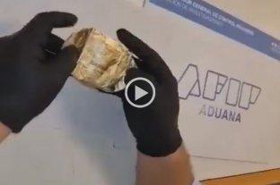 """Video viral: encuentran """"narcoalfajores"""" de una reconocida marca argentina"""