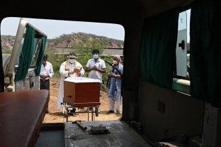 India reportó más de 4.000 muertes diarias por coronavirus