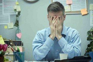 Trabajar más de 55 horas semanales aumenta el riesgo de muerte, según la OMS