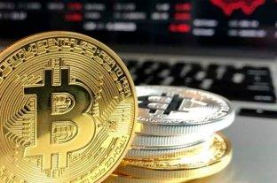 El bitcoin se recupera después de desplomarse el domingo