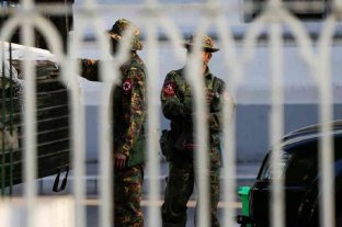 """El ejército de Birmania construyó una """"intranet"""" para censurar a la oposición"""