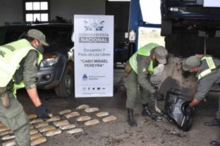 Viajaban con 35 kilos de marihuana ocultos en el tanque de combustible