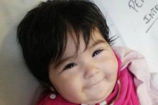 """Hallaron sana, salva y """"sonriendo"""" a una bebé que salió despedida de un auto durante un choque"""