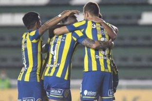 Central goleó a Huachipato por 5 a 0 en Rosario y se acercó a la clasificación