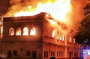 En medio de las protestas el Palacio de Justicia de Tuluá fue incendiado