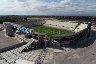 Colón e Independiente se igualan en la necesidad de levantar una copa