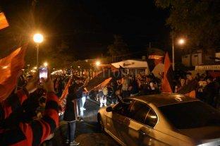 """Perotti sobre los festejos de hinchas de Colón en las calles de Santa Fe: """"No es bueno y no ayuda"""""""