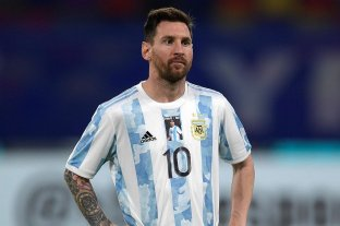 Los jugadores argentinos salieron con la camiseta 10 y una foto de Maradona