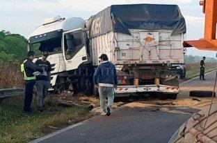 Choque frontal entre camiones en el noroeste santafesino