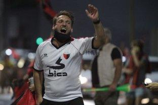 Colón ya es campeón y los hinchas coparon las calles santafesinas
