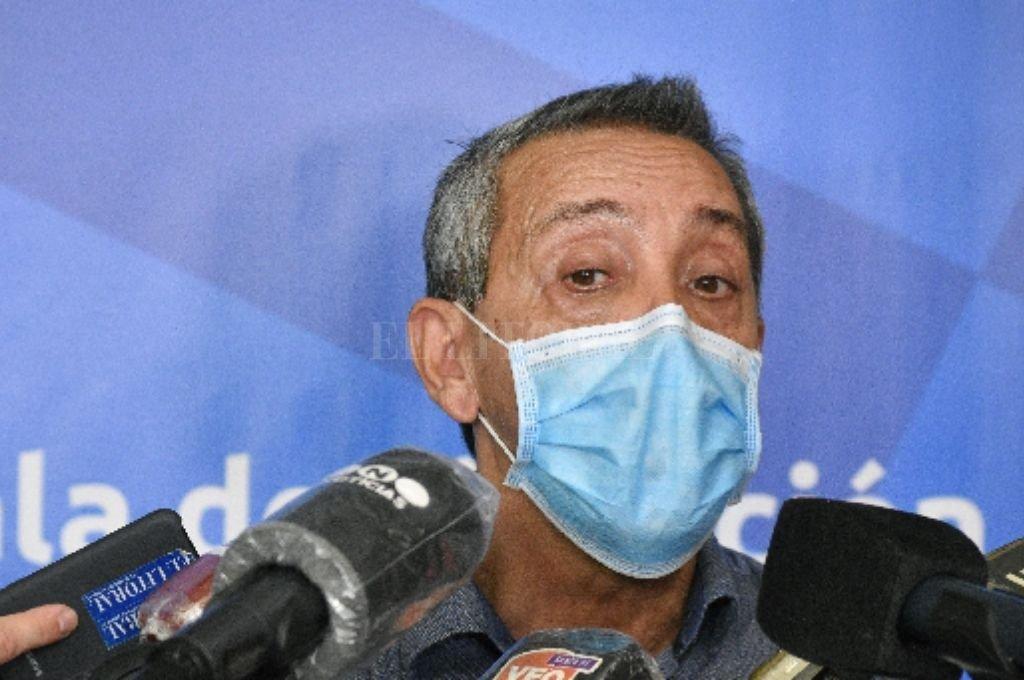 Jorge Prieto, secretario de Salud de la provincia en la sede de la Esquina Encendida. Crédito: Pablo Aguirre