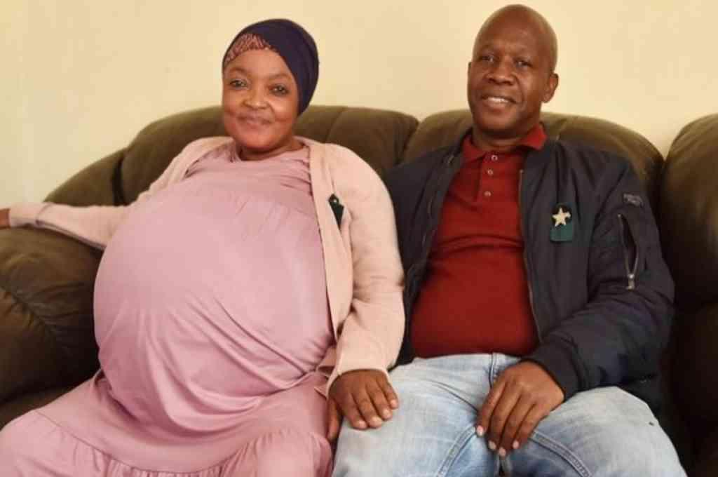 Sithole señaló que su embarazo fue natural, y con 29 semanas de gestación, dio la bienvenida a su numerosa familia. Crédito: Gentileza