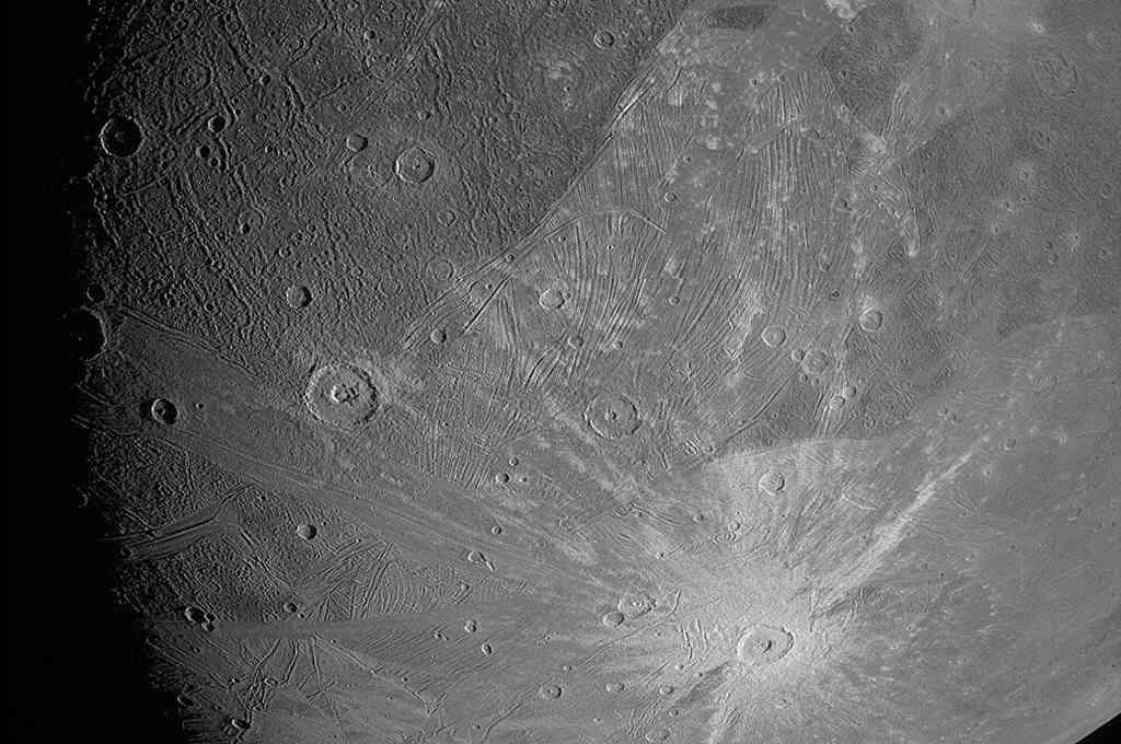 Ganímedes, la luna más grande de Júpiter. Crédito: NASA