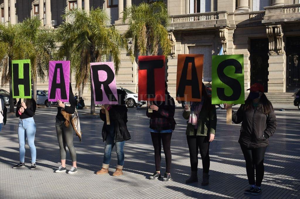 HARTAS. El mensaje es que hay que denunciar pero jueces como Mingarini ponen en duda nuestra palabra y protegen a los violadores. Crédito: Manuel Fabatía