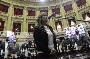Mónica Schlotthauer juró como diputada en reemplazo de Nicolás Del Caño