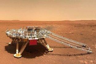 China publica fotos de su robot en la superficie de Marte