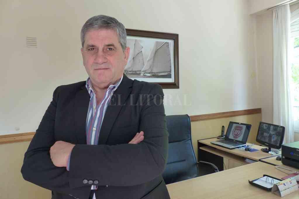 Carlos Ghisolfo, titular de la agrupación Glorioso ´89 y una fuerte crítica dirigida especialmente hacia la figura del presidente Spahn. Crédito: Archivo