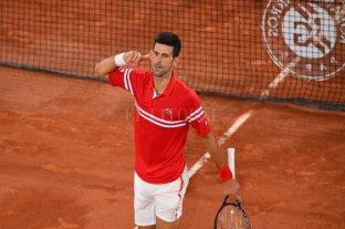 """En el duelo de """"gigantes"""", Djokovic venció a Nadal y está en la final"""