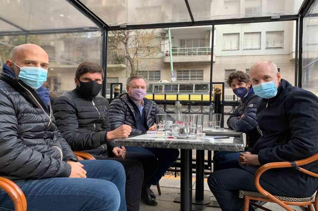 En un café porteño, Michlig y Pullaro conversaron con Rodriguez Larreta, Losteau y Yacobitti.   Crédito: Prensa Michlig
