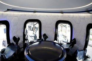 Pagó 28 millones de dólares en una subasta para viajar al espacio con Jeff Bezos