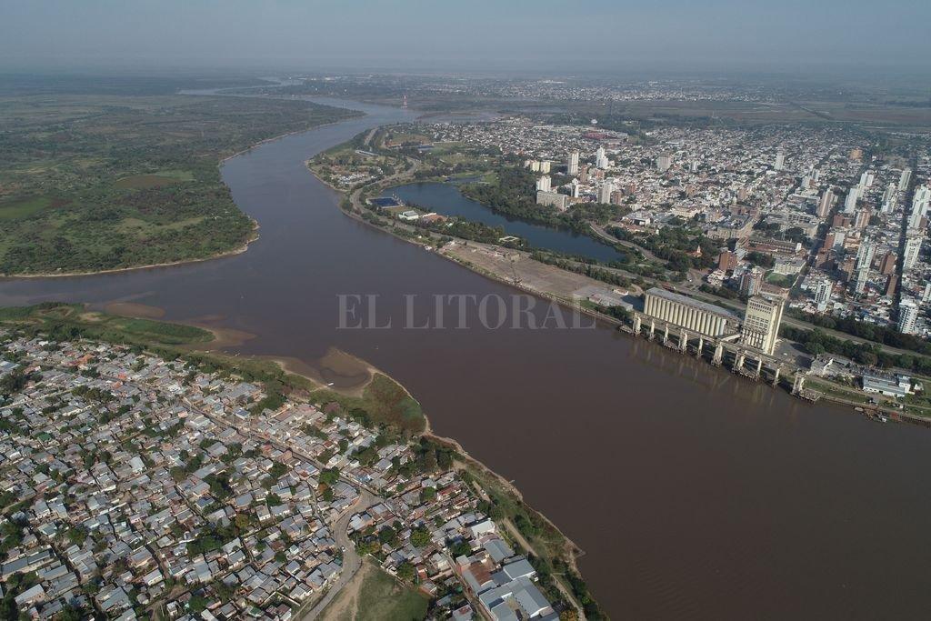 Bajante del Río Paraná: Santa Fe registra 67 cm y es el récord del 2021 -  -