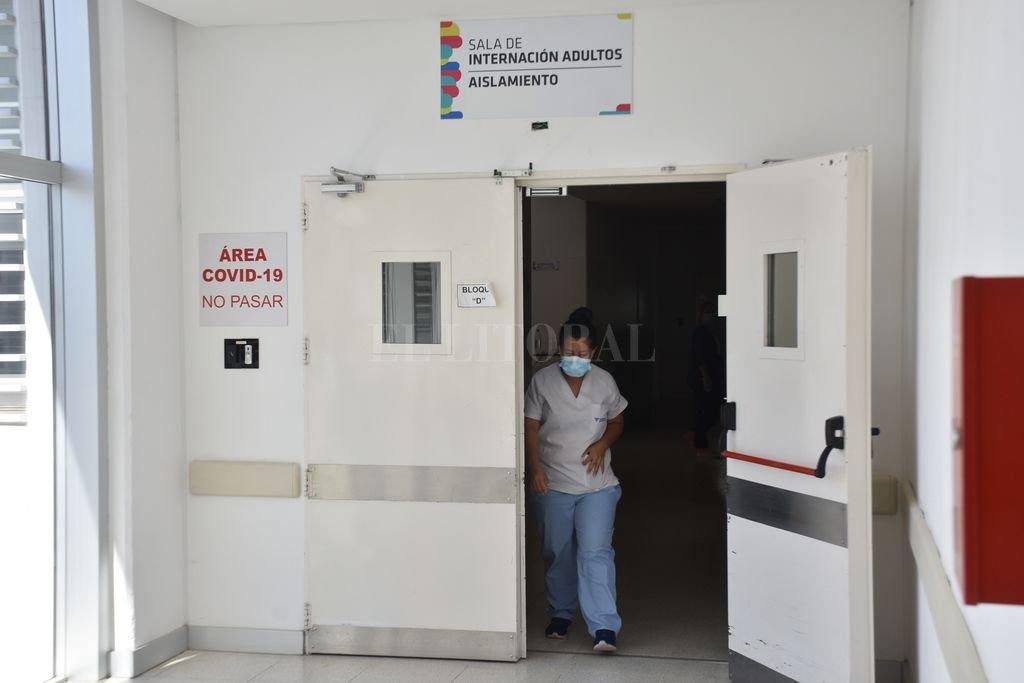Covid en Santa Fe: las restricciones frenaron los casos en el Iturraspe -  -