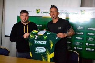 Lucas Barrios firmó y es nuevo jugador de Defensa y Justicia