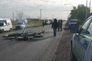 Vecinos de Sauce Viejo cortan la Ruta Nacional 11