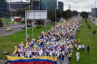 Anunciaron la suspensión temporal de protestas en Colombia