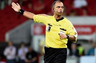Wilton Sampaio será el árbitro de Argentina - Uruguay
