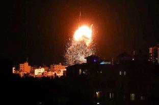 Nuevos bombardeos israelíes en la Franja de Gaza en respuesta a globos incendiarios