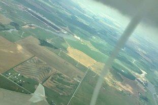 Video: un piloto de avión filmó un tornado que se desarrollaba a su alrededor