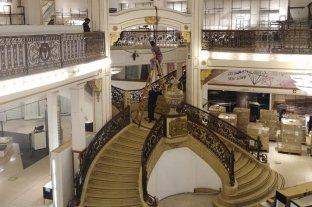 Se apagó la luz del mítico palacio La Favorita y los últimos empleados se despidieron del inmueble -