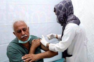 En Pakistán bloquean los celular de lo que no se inmunizan contra el Covid-19
