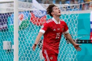 Rusia venció a Finlandia por 1 a 0, en su primer triunfo en la Eurocopa