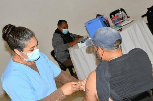 Covid: cómo y por qué van desde el norte provincial a Chaco para vacunarse