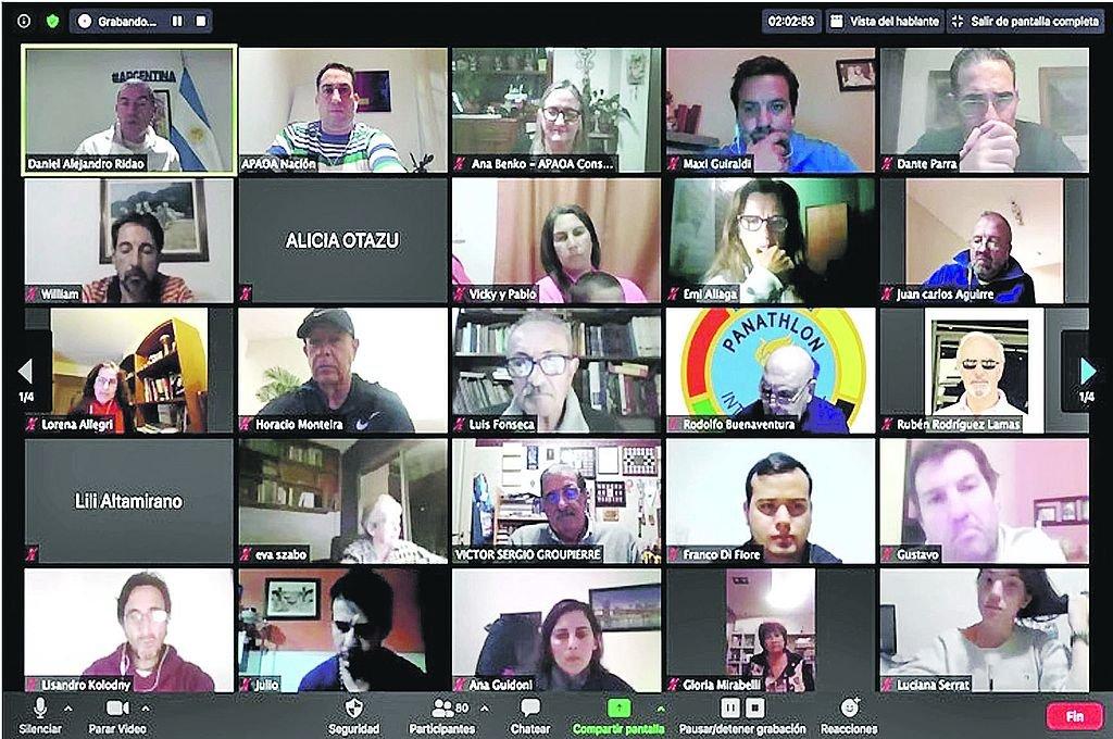 Captura de parte de los asistentes a la primera charla del ciclo de celebraciones del Día Olímpico.