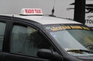3 delincuentes asaltaron a un taxista y a su pasajero en Barranquitas