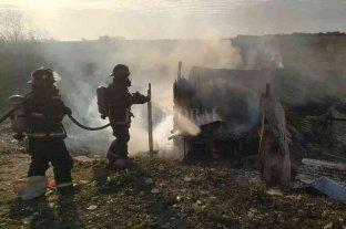 Incendio en viviendas precarias de Santa Fe y Rosario
