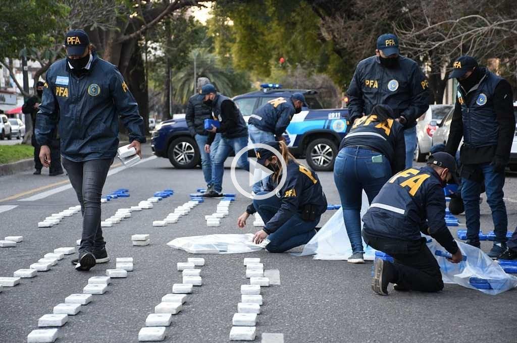Incautaron casi 400 kilos de cocaína de máxima pureza en Villa Gobernador Gálvez -  -