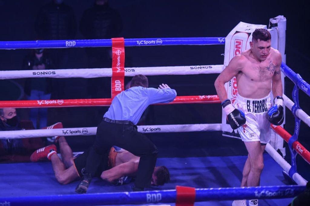 El villaguayense Marcelo Cóceres sumó sexto título como boxeador profesional.