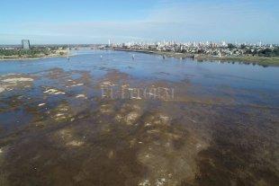 El Río Paraná bajó a 45 cm en Santa Fe y es el récord de los últimos 50 años -