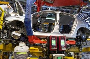 Industria automotriz, software y turismo, los sectores preferidos por argentinos para trabajar