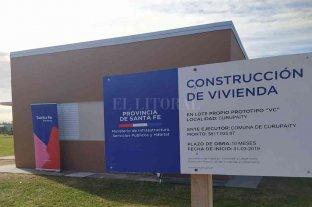 Departamento San Cristóbal: inauguraron viviendas y entregaron contratos de obra