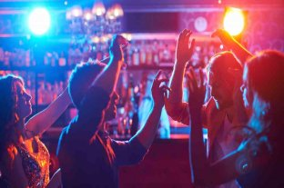 Francia reabrirá las discotecas tras casi un año y medio de cierre por el coronavirus