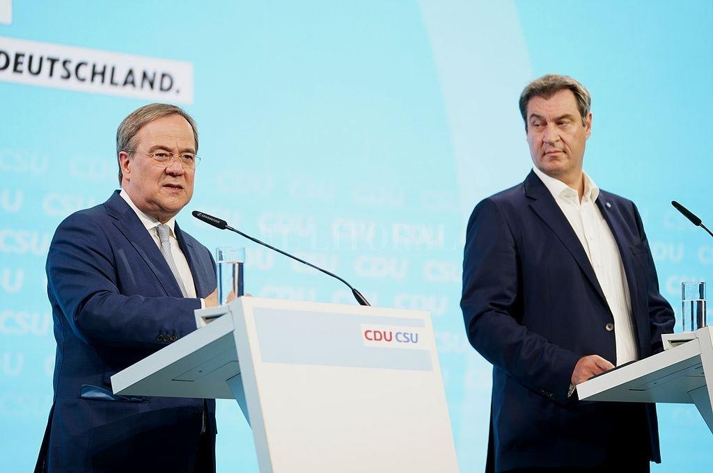 Armin Laschet, el candidato elegido para suceder a Merkel, y Markus Soeder, su exrival de interna, presentaron juntos el programa. Crédito: @CDU