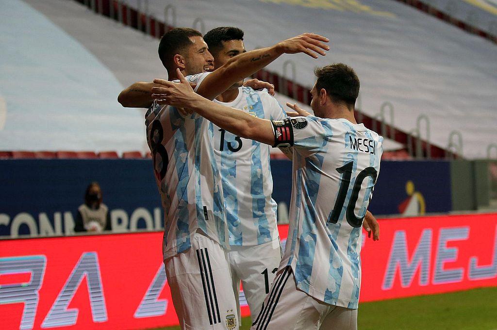 Argentina vence a Paraguay -  -