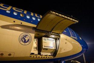 Con más de 700 mil dosis de Sinopharm, llegó el primero de los vuelos desde China